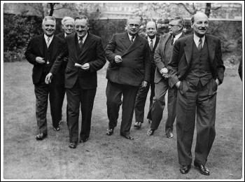 Labour PM Clement Atlee (right), along with right-wing Foreign Secretary Ernest Bevin (centre) in 1946, photo archives.gov.nz/CC