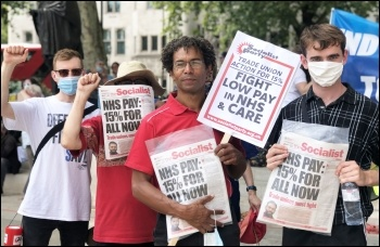 Demanding a 15% pay rise for NHS workers, 8th August 2020, Hugo Pierre (centre), photo Sarah SE
