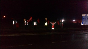 Early morning picket line of striking scaffolders, British Steel plant in Scunthorpe, photo by A Tice