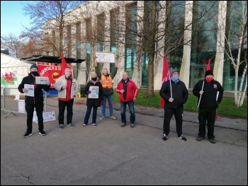 Sparks protests continue in Swansea, photo: Alec Thraves