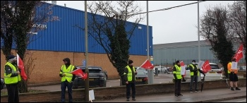 Engineering workers' picket in Leicester. Photo: Steve Score