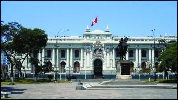 Peruvean Congress building CC/Protontorniyo