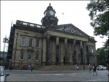 Lancaster Town Hall. Photo: ClemRutter/CC
