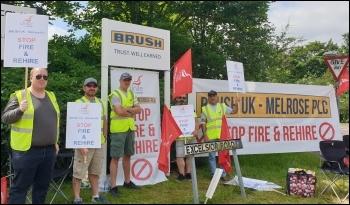 Brush picket line 14 June, photo Steve Score