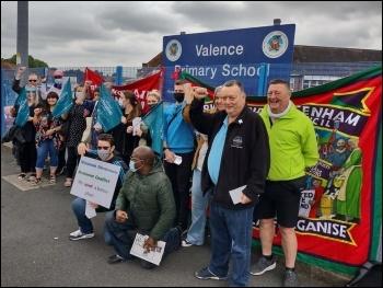 Valence picket line, photo James Ivens