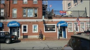 Mathew's Pub