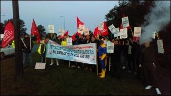 Striking scaffs rally 11 October, photo Alistair T