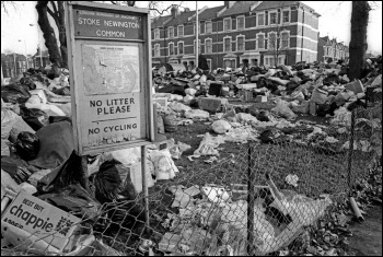 Stoke Newington Common, London, during the bin workers' strike February 1979, photo Alan Denney/CC