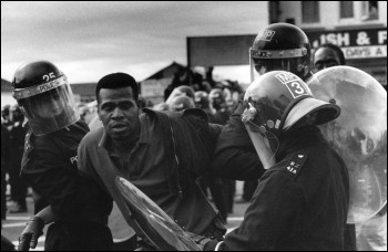 Police brutality on the anti-BNP demo in Welling in 1983, photo by D. Sinclair