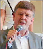 Dave Nellist speaking at the National Shop Stewards Network conference 2009, photo Suzanne Beishon