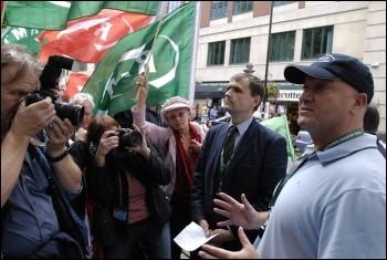 Bob Crow with London Underground RMT members protesting, photo Paul Mattsson