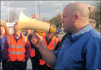 RMT general secretary Bob Crow speaking in Barking, east London, photo Senan