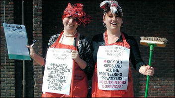 Clean out the dirty big business politicians - Sarah (left) and Nancy (right), Walthamstow Socialist Party, photo S. Kimmerle