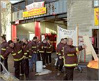FBU strike 2002: Firefighters' picket line, Homerton, London, photo by Paul Mattsson