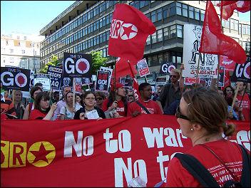 International Socialist Resistance demonstrate against war