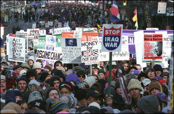 New York demonstates against the war in 2003 - photo Paul Mattsson