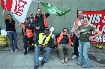 Seven Sisters London Underground RMT and TSSA members strike, photo Paul Mattsson