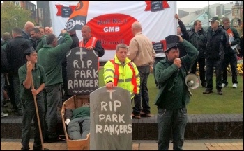 Hull Park rangers protest, photo Hull Socialist Party