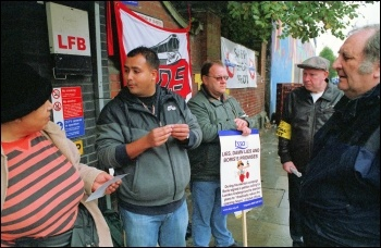 Tube strike: RMT strikers picket the London Underground, photo Paul Mattsson