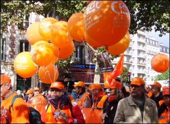 2010 Demonstrations in France against attacks on pension rights, photo Judy Beishon