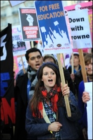 Massive student demo in London called by the NUS expresses anger against cuts, photo T.U. Senan