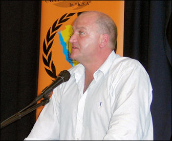 Bob Crow, RMT general secretary, addresses the National Shop Stewards Network conference July 2007