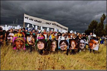 Heathrow airport runway protest, photo Marc Vall�e