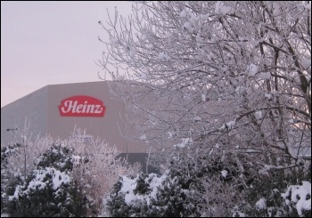 Heinz workers strike, photo by Hugh Caffrey