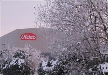 Heinz workers strike, photo by Hugh Caffrey