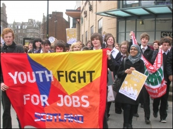 Dundee school students stage anti-cuts strike, photo Leah Ganley