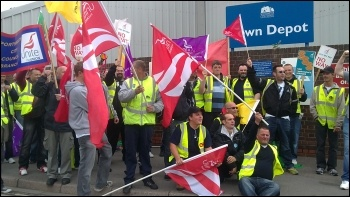 Southampton refuse workers strike, 23.5.11