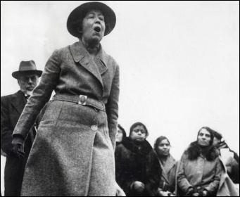 Sylvia Pankhurst protesting against British policy in India, at Trafalgar Square, 1932