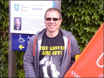 Unite rep Martin at Sheffield university support staff picket over pensions, 10.6.11, photo sheffield SP
