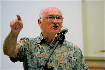 Socialism 2007 - Peter Taaffe, Socialist Party general secretary, photo Paul Mattsson