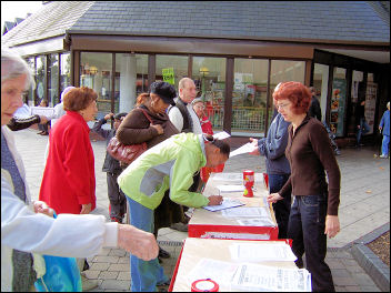 Selling The Socialist in Waltham Forest, photo Alison Hill