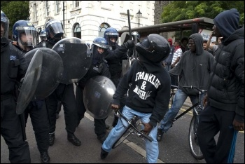 Riot police in Hackney, 8.8.11, photo Paul Mattsson