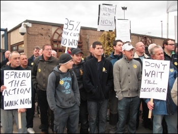 Construction workers protest at the Tyne tunnel site in North Tyneside, photo Elaine Brunskill