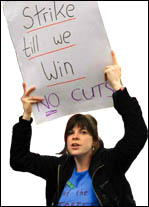 Strike till we win - No cuts - placard, photo Paul Mattsson
