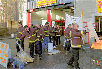 Fire Brigades Union on strike in 2002, photo credit Paul Mattsson