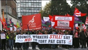 Southampton council workers on strike 6.10.11 , photo Nick Chaffey