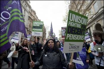 Strikers in London, 30.11.11, photo Paul Mattsson