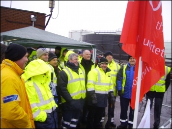 123 oil tanker drivers employed by road haulage firm Wincanton began a week long strike at 5am on Tuesday 24 January 2012, photo Alistair Tice