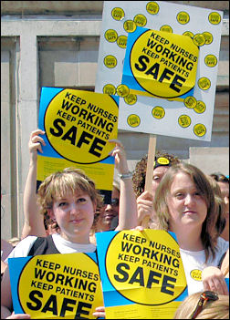 Unison and RCN nurses lobby of parliament in 2006, photo Paul Mattsson