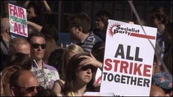 NUT strike 28 March 2012, photo  Socialist Party