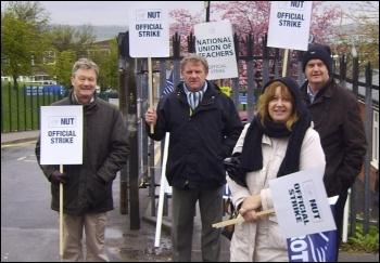 Strike at Swinton Comprehensive school in Rotherham, 27.4.12, , photo Alistair Tice