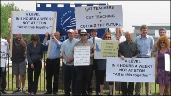 Strike at Sussex Downs College, 24.5.12, photo Phil Clarke