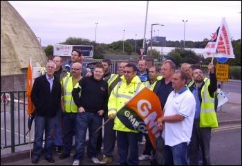 Sheffield council craftsmen striking on 17 August 2012, photo Alistair Tice