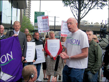 Brian Debus addresses the lobby of Unison disciplinary hearings against four Socialist Party members, photo Alison Hill