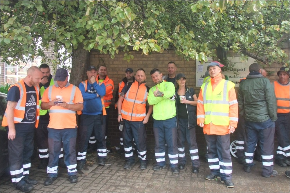 Birmingham refuse crews to vote on more strike action