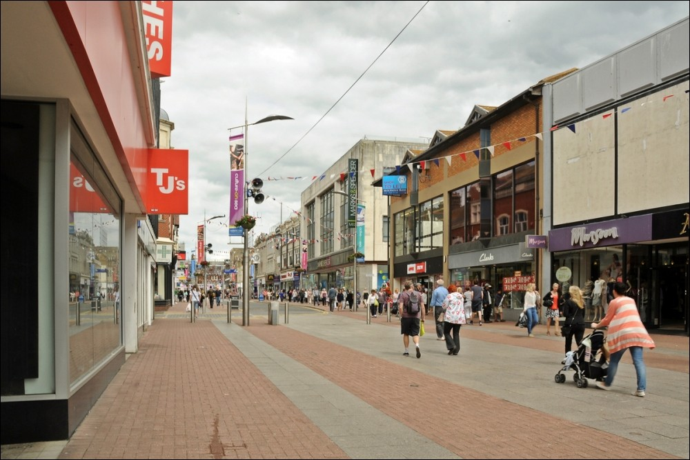 Socialist Party :: Save the high street: public ownership